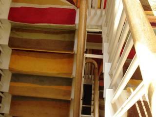 Bespoke Stair Runners Anna V Rugs 玄關、走廊與階梯階梯