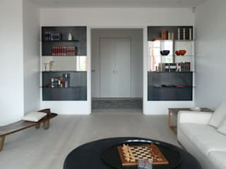 Apartment in Holland Park:  in stile  di V+V interni