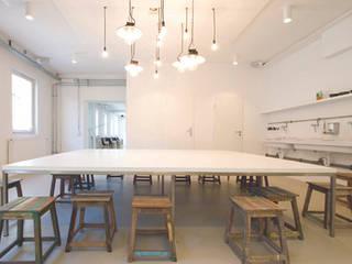 Kinderkunsthaus INpuls interior design & architecture Moderne Schulen