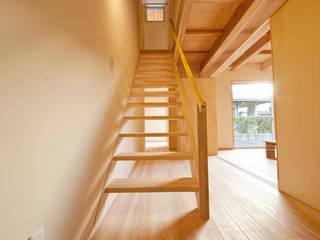 .: 渡辺浩二  設計室が手掛けた廊下 & 玄関です。