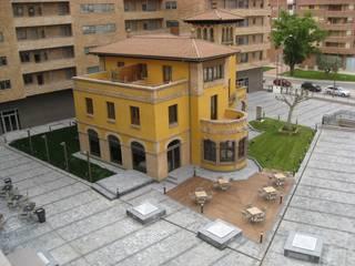 """Rehabilitación de """"Casa Sánchez"""" para Hotel de cuatro estrellas: Hoteles de estilo  de ARQUIGESTIÓN ARAGÓN S.L.P."""