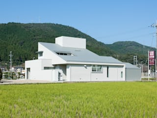 House of Representation Modern home by Form / Koichi Kimura Architects Modern