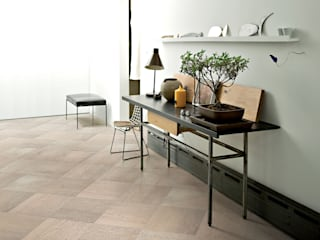 Holz-Designs: Larix, Wood², Baita und Barrique von Ceramiche Refin S.p.A Landhaus