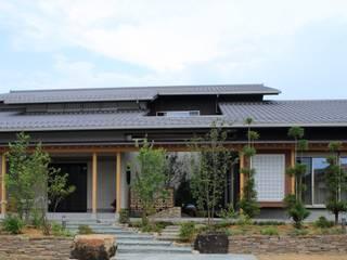 Casas de estilo moderno de やまぐち建築設計室 Moderno