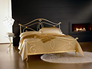 LETTO FLORENCE: Camera da letto in stile  di Ciacci