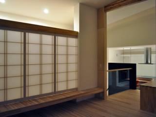 Modern living room by タムラ設計 Modern