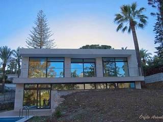 VIVIENDA UNIFAMILIAR EN MARBELLA Casas de estilo minimalista de REQUE-GALLEGO Arquitectos Minimalista
