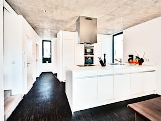 Kitchen by Helwig Haus und Raum Planungs GmbH, Modern