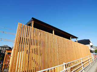 連格子のある家: Atelier繁建築設計事務所が手掛けた家です。