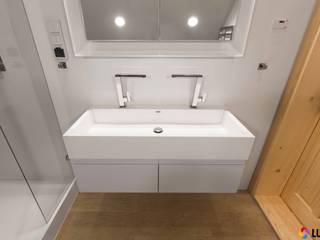 Arrangement bathrooms made by LUXUM Modern bathroom by Luxum Modern