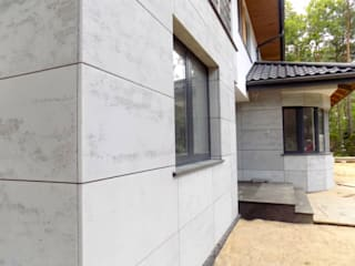 Slabs of architectural concrete on elevation Modern houses by Luxum Modern