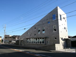 slope: カーポス工作所一級建築士事務所が手掛けた家です。