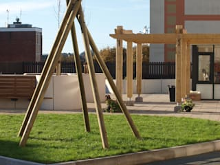 Timber tipi Modern garden by Crayon Architecture & Design Modern