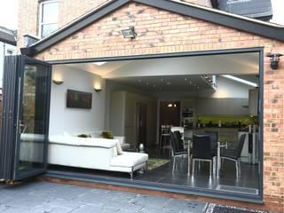 Rumah oleh London Building Renovation, Modern