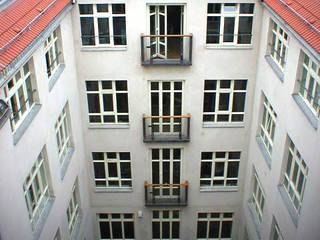 Umbau und Dachgeschossausbau Büro- und Geschäftshaus (Einzeldenkmal) Rosenthaler Straße, Berlin-Mitte Klassische Häuser von WAF Architekten Klassisch