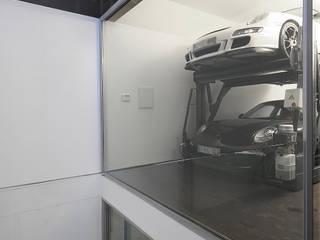 Garajes modernos de Barbosa & Guimarães, Lda. Moderno