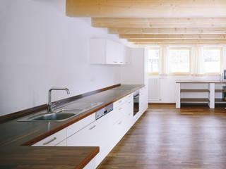 Cucina in stile  di FinsterwalderArchitekten