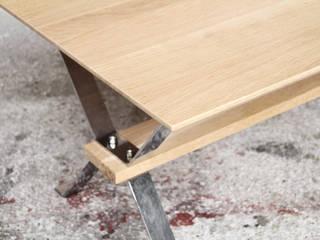TABLE VINTAGE RÉNOVÉ, CHÊNE MASSIF:  de style  par Gentlemen Designers