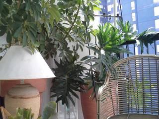 Never Small Giardino minimalista di Lucia Gitto Minimalista
