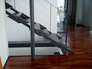 Planungsbüro GAGRO Corridor, hallway & stairs Stairs