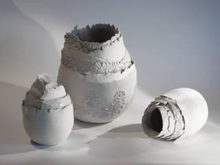 Pot coquille blanc:  de style  par Jeanne-Sarah Bellaiche Atelier La Terre Tourne
