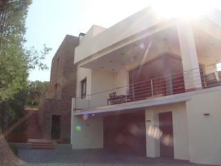Vivienda en Sant Daniel de Calonge: Casas de estilo mediterráneo de Ana Llusá