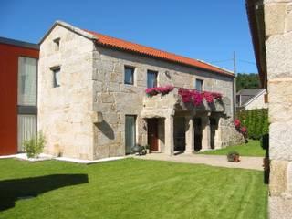 Vivienda en Amoedo, Pazos de Borbén MUIÑOS + CARBALLO arquitectos Casas