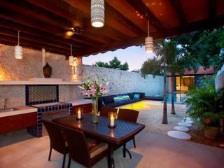 Taller Estilo Arquitectura Mediterranean style balcony, veranda & terrace