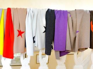 Stars - Glamouröse Decken, Kissen und Wärmflaschen: moderne Wohnzimmer von Lenz & Leif