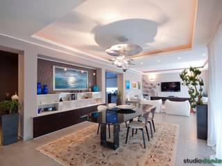 Salle à manger moderne par studiodonizelli Moderne