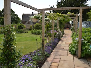Traditional Garden Country style garden by Unique Landscapes Country