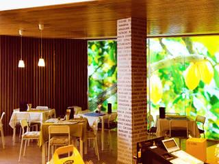Esencia&Sabor Showroom: Bares y Clubs de estilo  de Angel Melero Hurtado