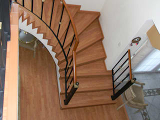 Classic style corridor, hallway and stairs by Casa Bamboo Decoracion Classic
