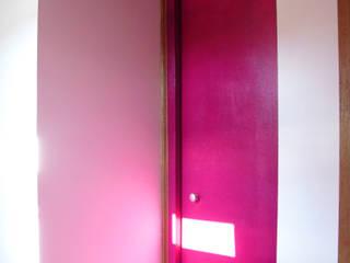 Cassis: Couloir et hall d'entrée de style  par Victoria Paulus