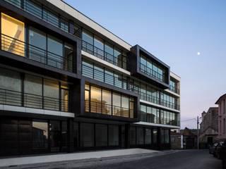 Edifício de Habitação em V.N. de Tazem:   por Nuno Ladeiro, Arquitetura e Design