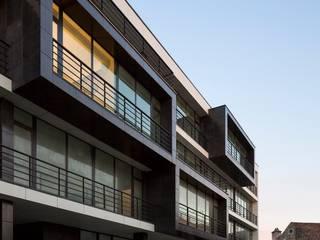 Edifício de Habitação em V.N. de Tazem por Nuno Ladeiro, Arquitetura e Design Moderno