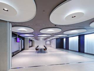 Business Area Olympiahalle München Moderne Bürogebäude von Andreas J. Focke Architekturfotografie Modern