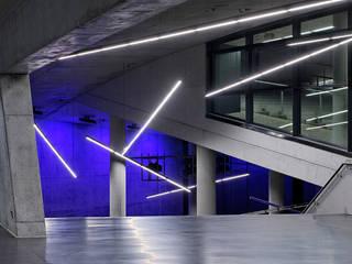 Neue kleine Olympiahalle München Moderne Stadien von Andreas J. Focke Architekturfotografie Modern