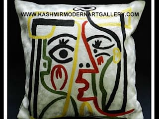 picasso line drawing cushioncover:  Living room by kashmir modernart gallery