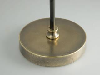 Lampadaire en laiton vieilli orientable:  de style  par pneyg13810