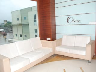 OLIVE HEALTHCARE - UNIT 2 (FACTORY OFFICE): modern  by Marginn,Modern
