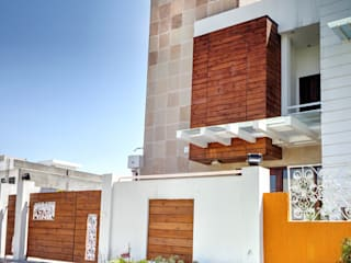 Front facade:  Houses by Studio An-V-Thot Architects Pvt. Ltd.