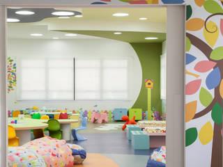 Playroom at school Quarto infantil eclético por Orlane Santos Arquitetura Eclético