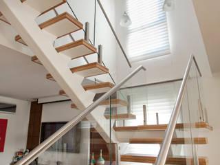 Apartamento MOEMA Corredores, halls e escadas modernos por Orlane Santos Arquitetura Moderno