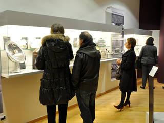 Création espace design industriel au Musée des Années Trente à Boulogne-Billancourt - 92 par CONCEPT FRENOY DESIGN Moderne
