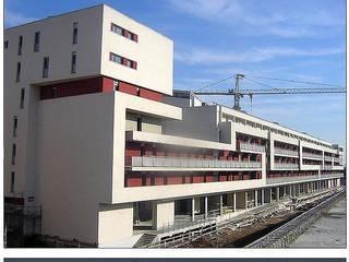 San Polino: Case in stile in stile Moderno di Studio BASE