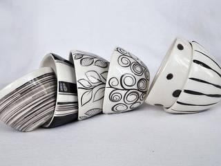 tasses en faïence:  de style  par anne kovacs