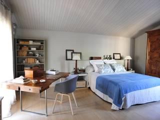 A74. CASA. Dormitorios de estilo clásico de BONBA studio Clásico