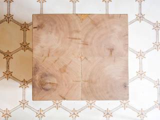WOOD C TABLE de BONBA studio Moderno