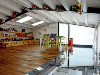 industrial Nursery/kid's room by Massimo Adiansi Architetto